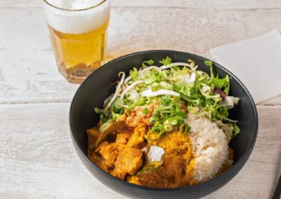 Rice bowl curry chicken